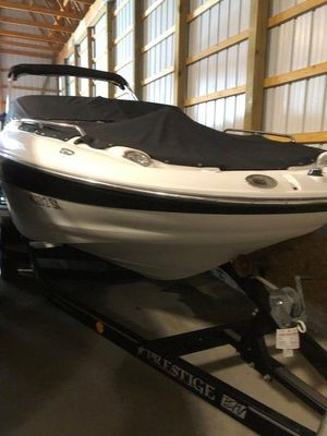 Used Crownline 220EX220EX Deck Boat For Sale