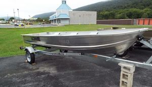 Used Lowe 14571457 Aluminum Fishing Boat For Sale