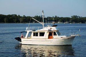 Used Mariner Orient 34 Sedan Europa Trawler Boat For Sale