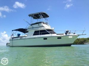Used Cruisers Yachts 298 Villa Vee Sports Fishing Boat For Sale