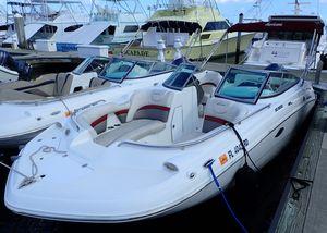 Used Hurricane SunDeck 2200 DC OBSunDeck 2200 DC OB Deck Boat For Sale