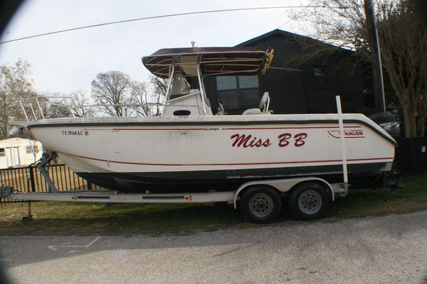 Used Boston Whaler Outrage 26-Twin Outboard Runabout Boat For Sale