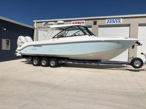 New Everglades 340dc Cruiser Boat For Sale