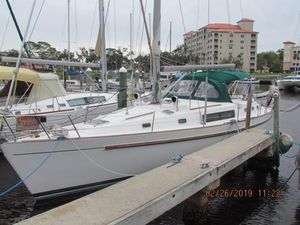 Used Beneteau Oceanis CC Center Cockpit Sailboat For Sale