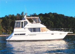 Used Carver Aft Cabin 355 Motor Yacht For Sale