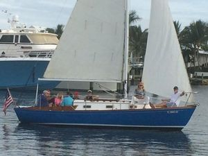 Used Yankee Dolphin 24 Daysailer Sailboat For Sale
