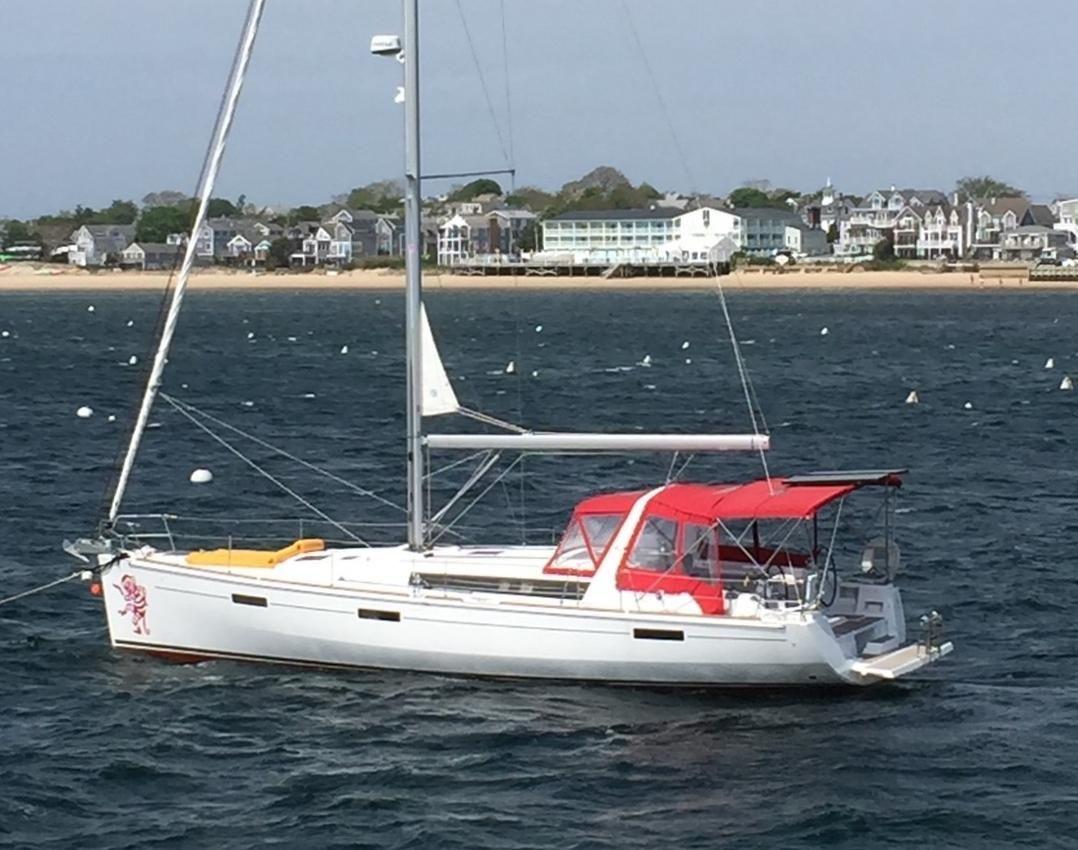 2013 Used Beneteau Oceanis 45 Cruiser Sailboat For Sale 275 000