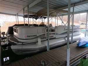 Used Crestliner LSI 2085 Pontoon Boat For Sale