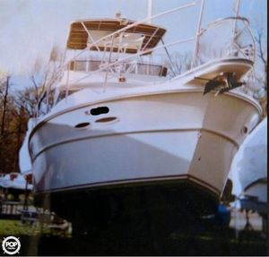 Used Sea Ray SRV390 Sports Fishing Boat For Sale