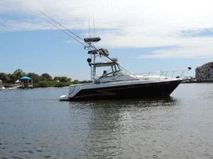 Used Pro-Line 3250 Express Cruiser Boat For Sale