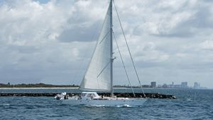 Used Gulfstar Enclosed Cockpit Cruiser Sailboat For Sale
