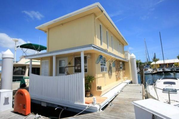 Used Custom 2 Story, 4 Bedroom, 2 Bath House Boat For Sale
