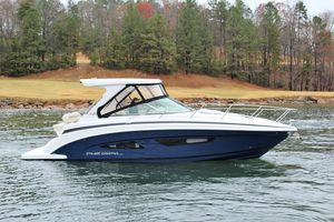 New Regal 33 Express Cruiser Boat For Sale