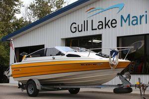 Used Bayliner CAPRICAPRI Deck Boat For Sale