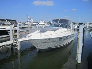 Used Cruisers Yachts 3070 Rogue Cruiser Boat For Sale