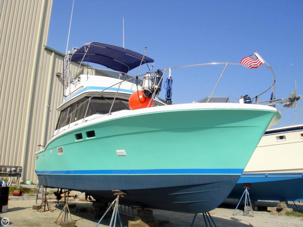 1975 used trojan 32 f sport fisherman sports fishing boat for Sport fishing boats for sale by owner