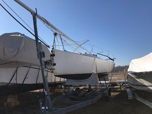Used Henderson 30 Racer and Cruiser Sailboat For Sale