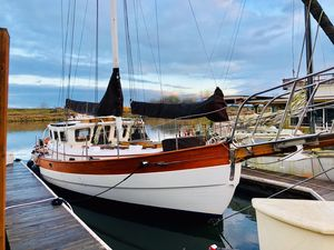 Used Hans Christian 39 Pilothouse Sailboat For Sale