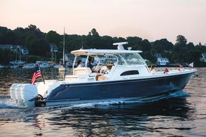 New Hinckley Sport Boat 40C Express Cruiser Boat For Sale