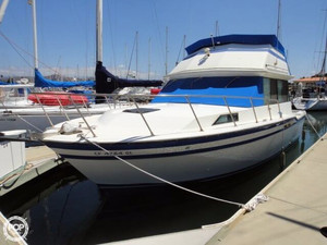 Used Fiberform 3300 Executive Flybridge Sports Fishing Boat For Sale
