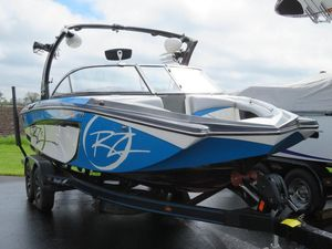 Used Tige RZRRZR Ski and Wakeboard Boat For Sale