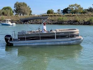 Used Xcursion X23C 2.75 Sports Fishing Boat For Sale
