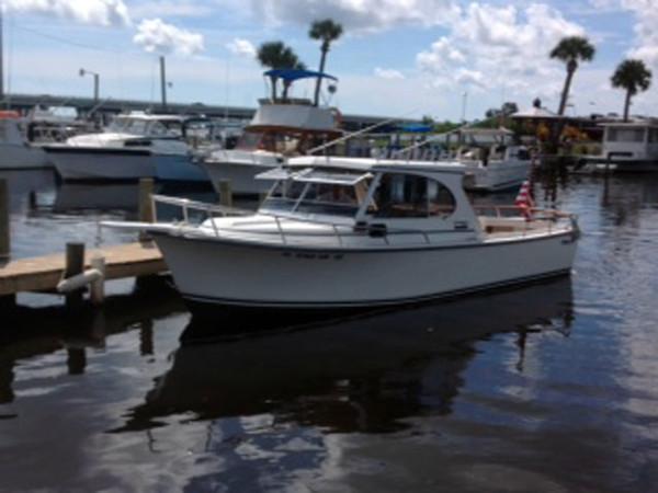 Used Shamrock Hard top Cuddy Cabin Boat For Sale
