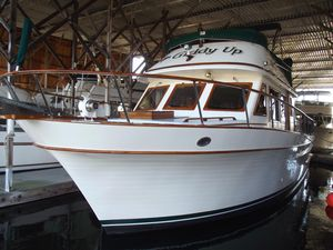 Used Performance Cruising 38 TRI Cabin Trawler Boat For Sale