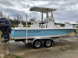 Used Sea Hunt BX22 BR Center Console Fishing Boat For Sale