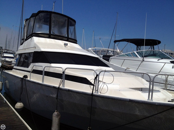 Used Mainship 35 Mediterranean Convertible Cruiser Boat For Sale