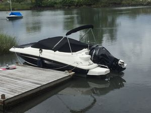 Used Sea Ray 220 Sundeck High Performance Boat For Sale