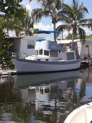 Used Willard Marine Cruiser Boat For Sale