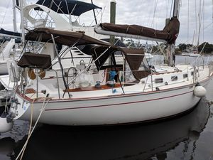 Used Morgan 383 Cruiser Sailboat For Sale