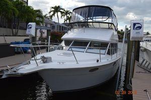 Used Carver Voyager Cruiser Boat For Sale