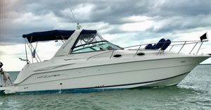 Used Monterey 302 Cruiser Loaded With All The Options! Fresh Water Cooled! Express Cruiser Boat For Sale