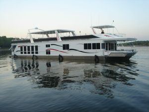 Used Fantasy 100 Wide Body House Boat For Sale