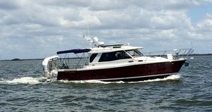 Used Cutwater C30S Luxury Edition Sedan Express Cruiser Boat For Sale