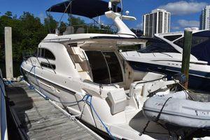 Used Sealine F36 Flybridge Boat For Sale