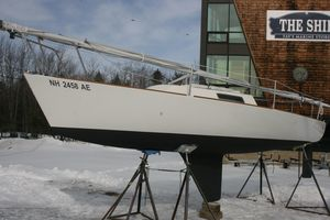 Used J Boats 22 Daysailer Sailboat For Sale