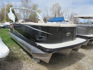 New Tahoe Pontoon LTZ Quad Lounge - 24' Pontoon Boat For Sale