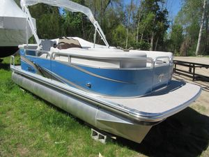 New Tahoe Pontoon GT Cruise 2 - 19' Pontoon Boat For Sale