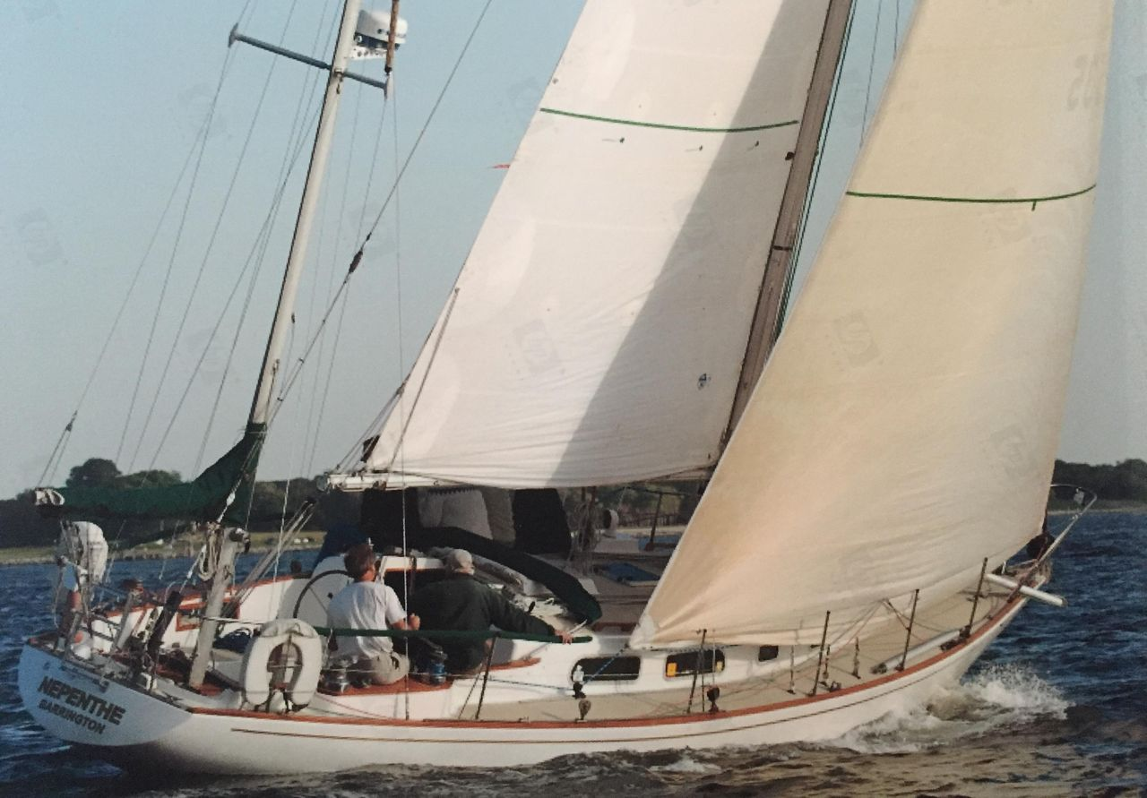 1974 Used Pearson 39 Racer and Cruiser Sailboat For Sale