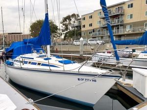 Used Hunter Racer and Cruiser Sailboat For Sale