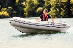 New Highfield CL 310 BL With 15 HP Yamaha Tender Boat For Sale