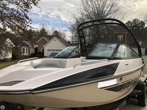 Used Moomba Mondo Ski and Wakeboard Boat For Sale