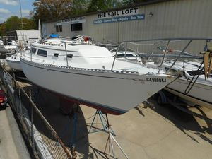 Used Islander 30 Racer and Cruiser Sailboat For Sale