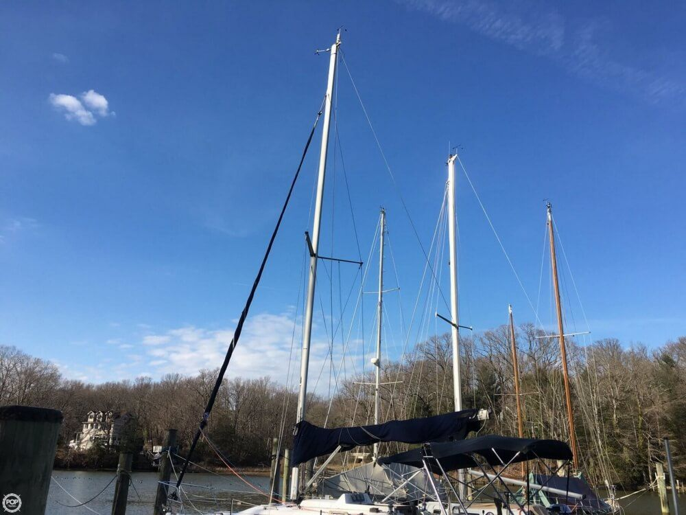 2000 Used Hunter 290 Racer and Cruiser Sailboat For Sale - $31,000