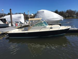 Used Hunt Yachts Surfhunter 25 Express Cruiser Boat For Sale