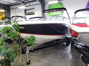 New Cobalt R5R5 Runabout Boat For Sale