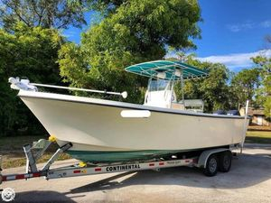 Used Parker Marine 2501 CC Center Console Fishing Boat For Sale